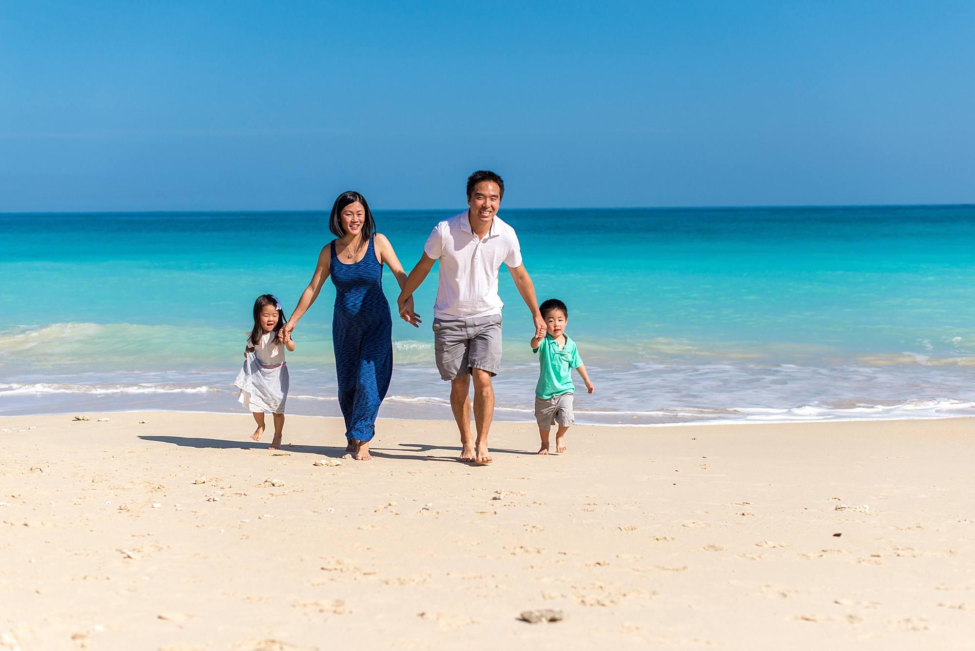 Maui beach photographer for families