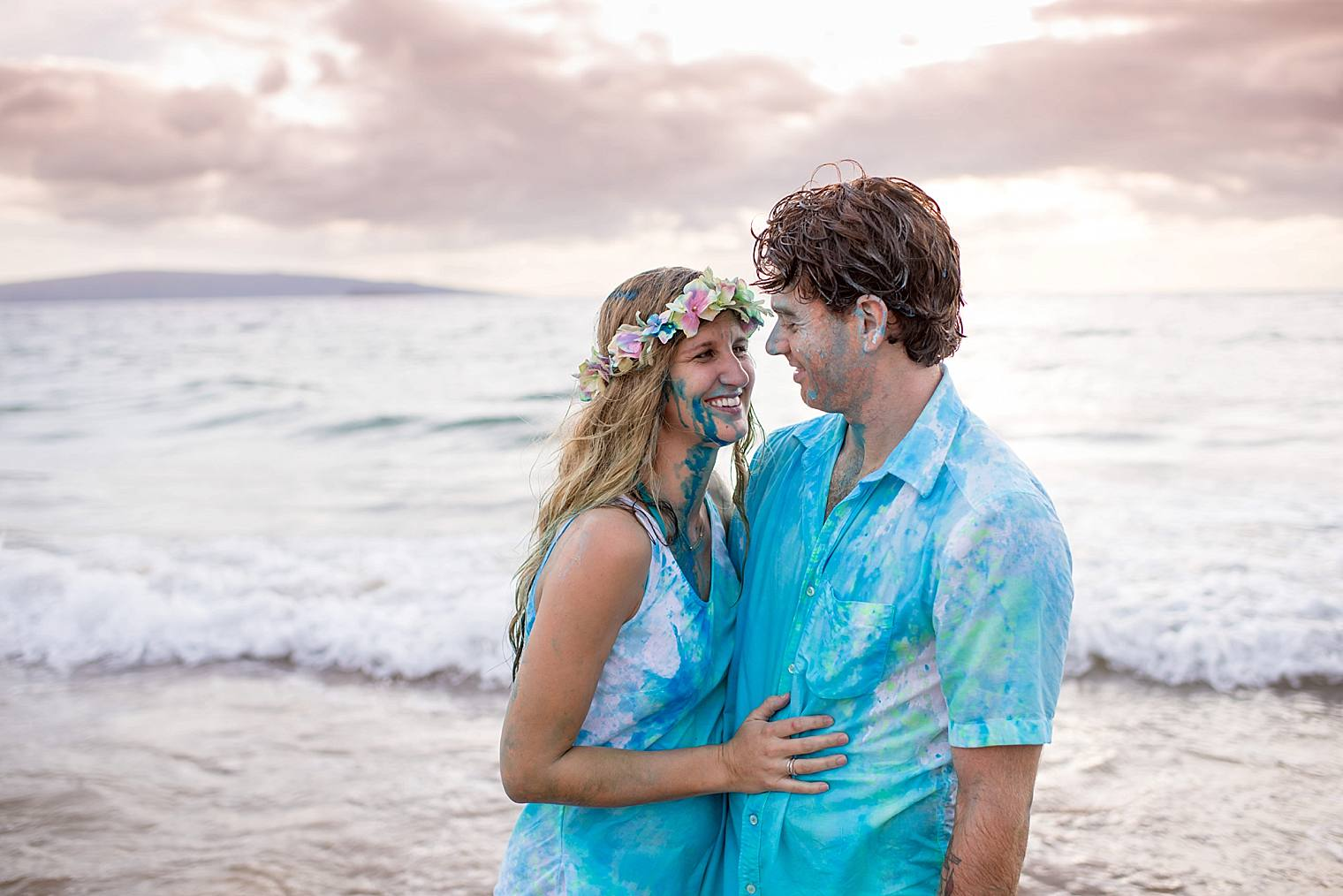 Couple On The Beach In Maui After Gender Reveal Cute Ideas