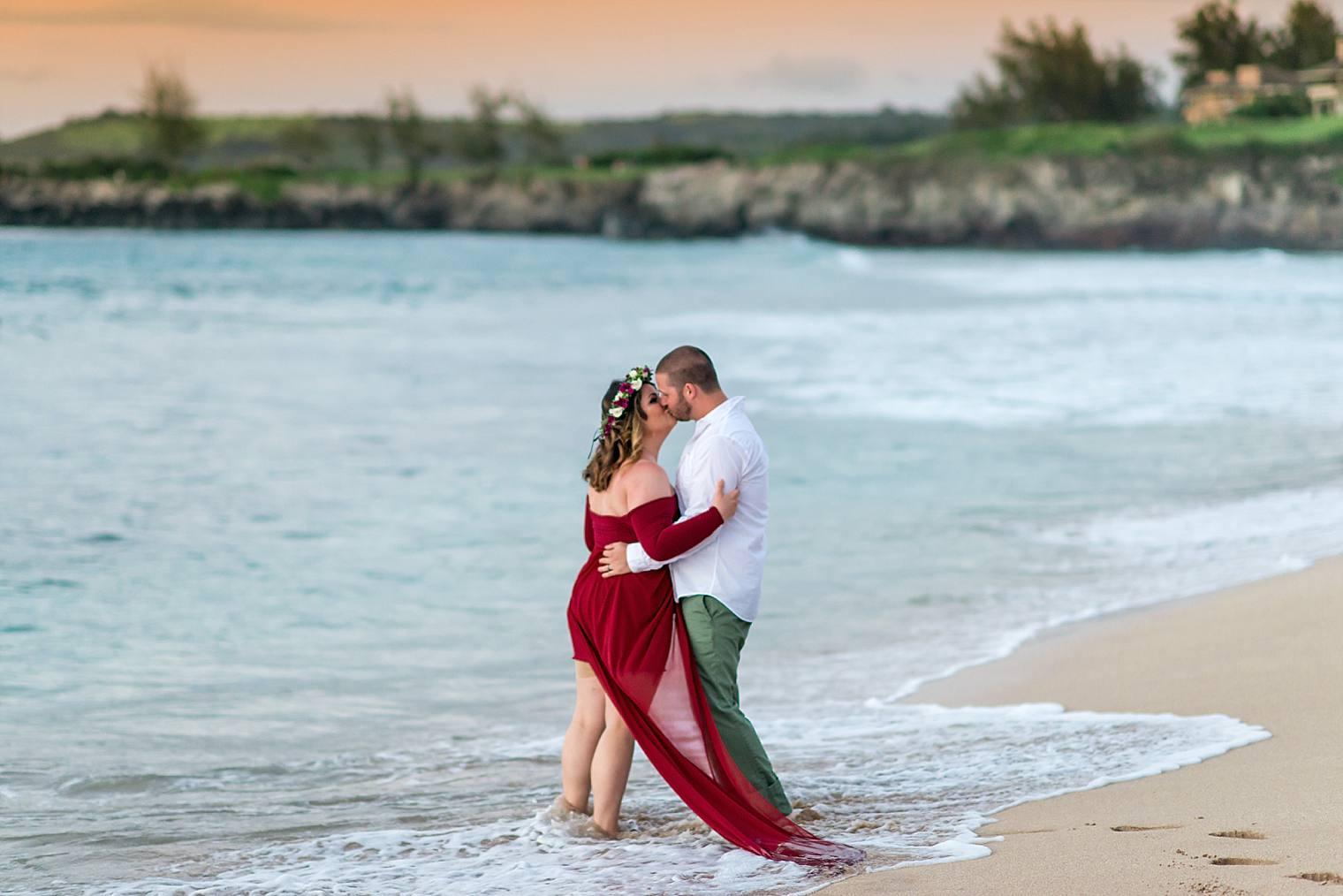 Gorgeous Anniversary Photos in Maui, Hawaii_0017