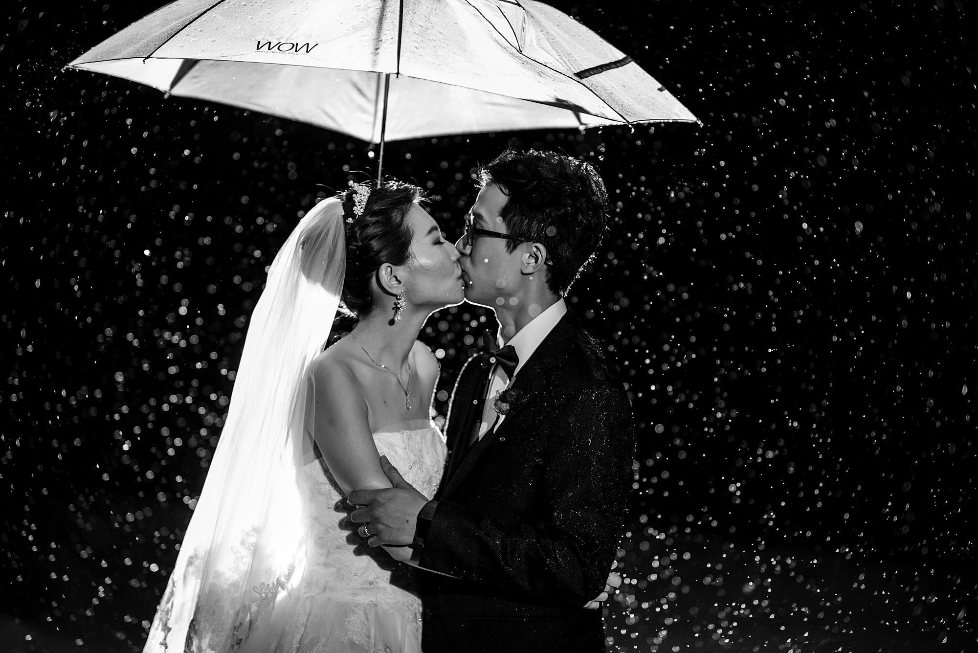 Rainy White Orchid Beach House Wedding_0054
