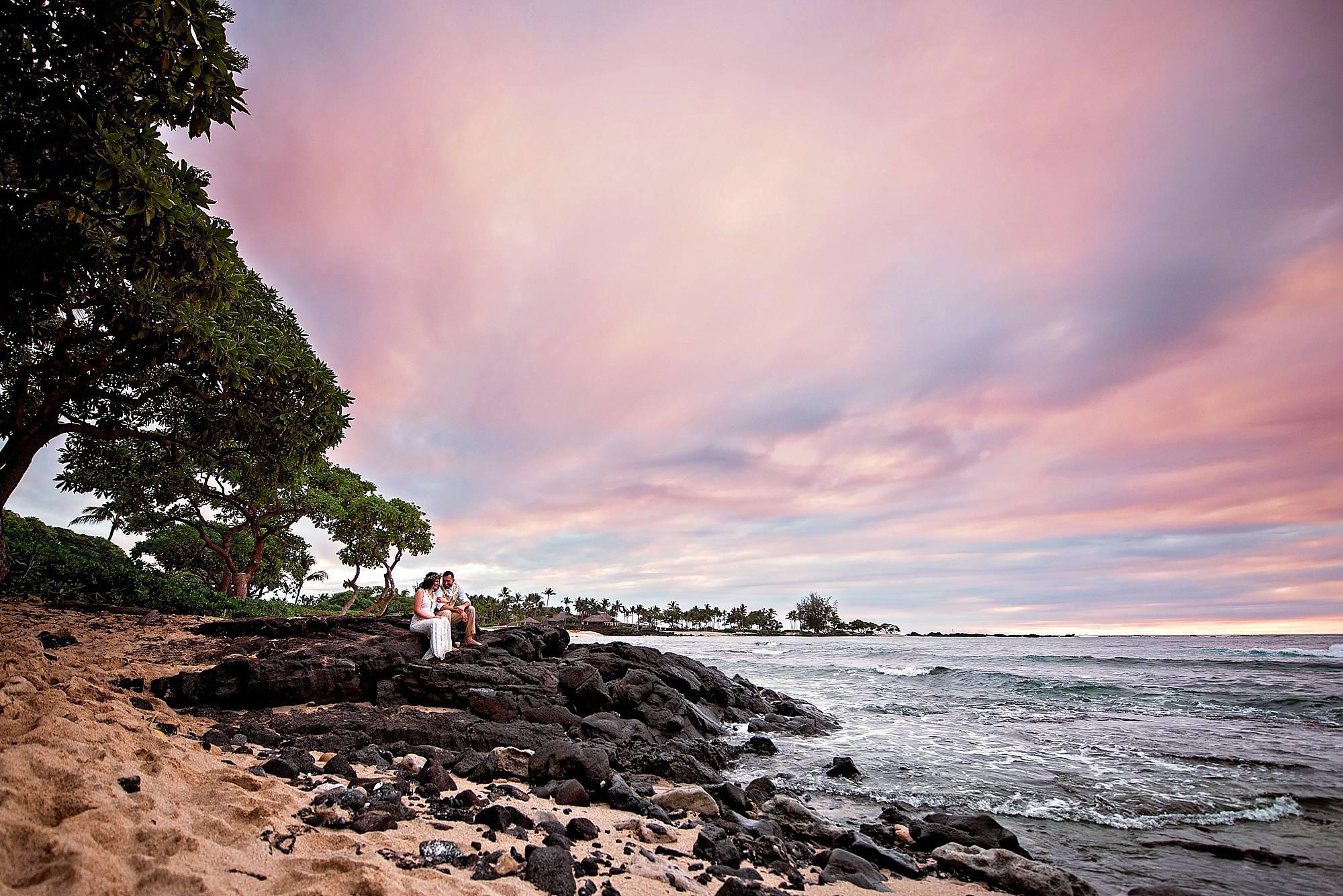 beach elopement in kona, hawaii
