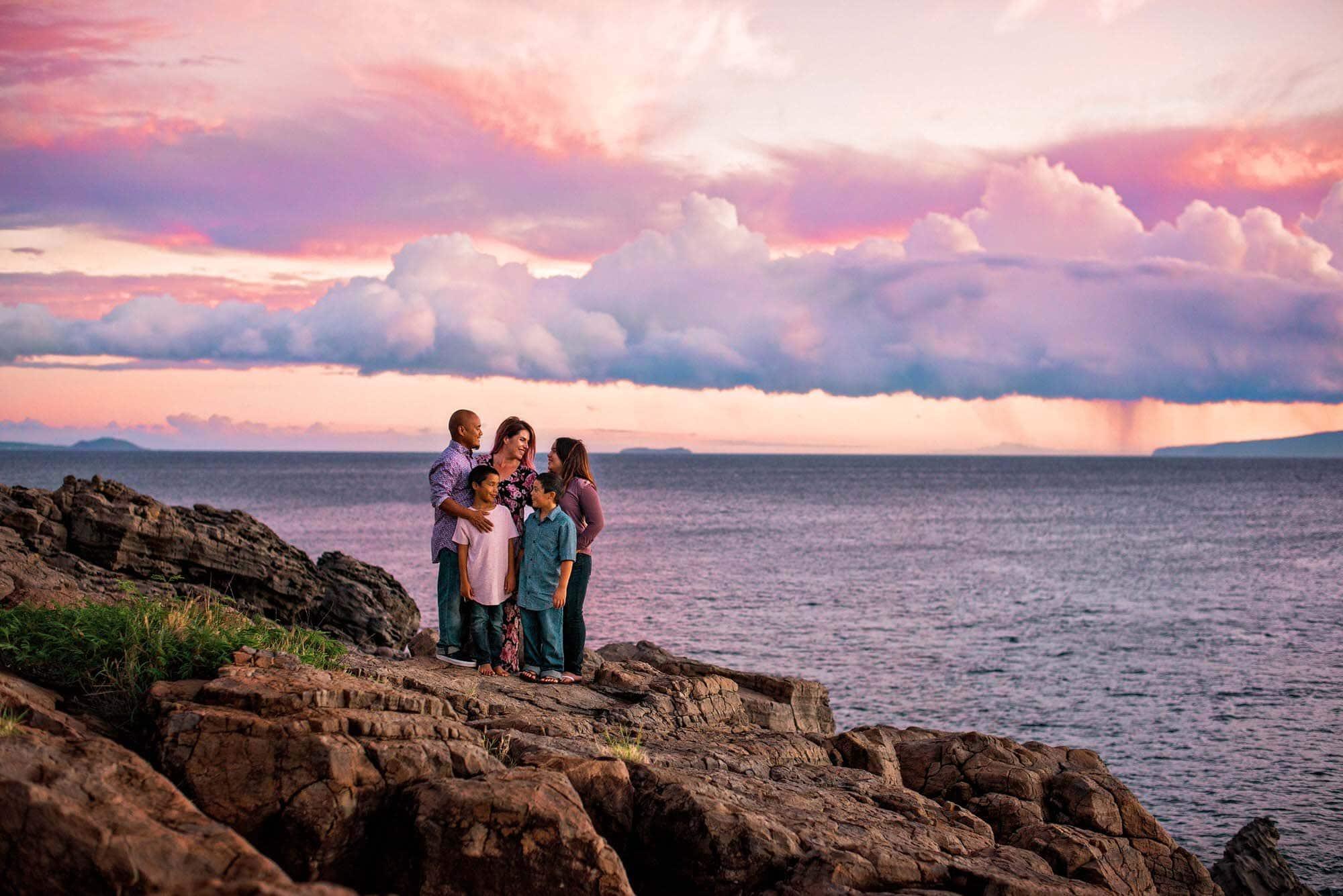Maui family photographer on cliffs